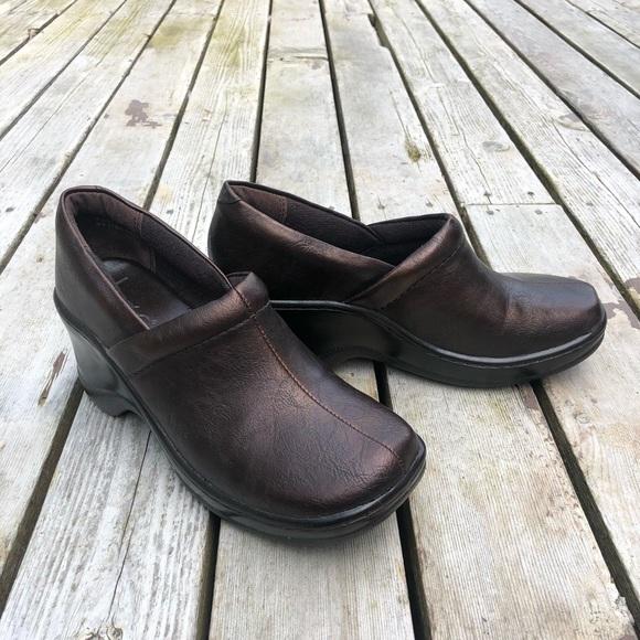 BOC 'Nadiyya' brown metallic clogs